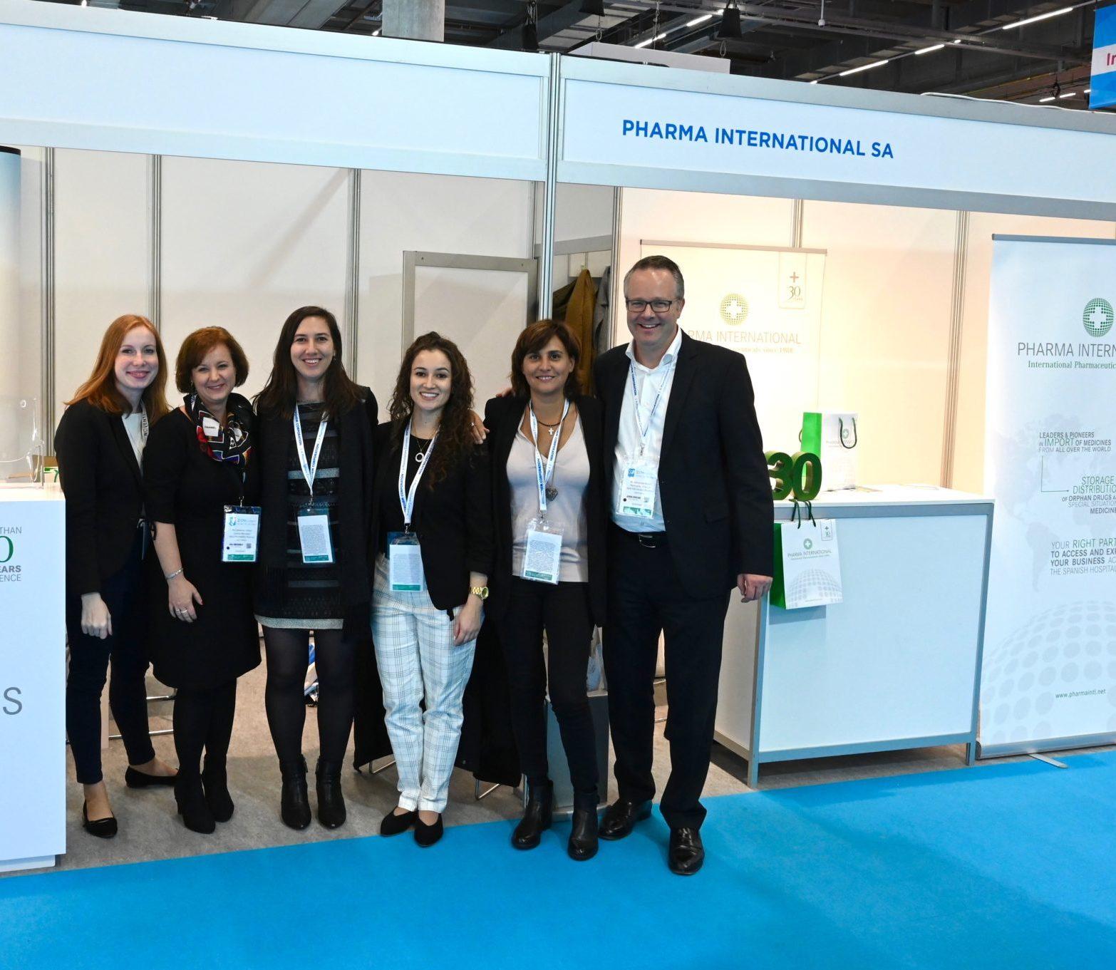Nuestra Gerente, Sara Diez-Labajo acompañada de Lucía Castellano, farmacéutica de PHARMA y nuestro partner en Alemania, Alexander Kurth, de WALTER KREBS